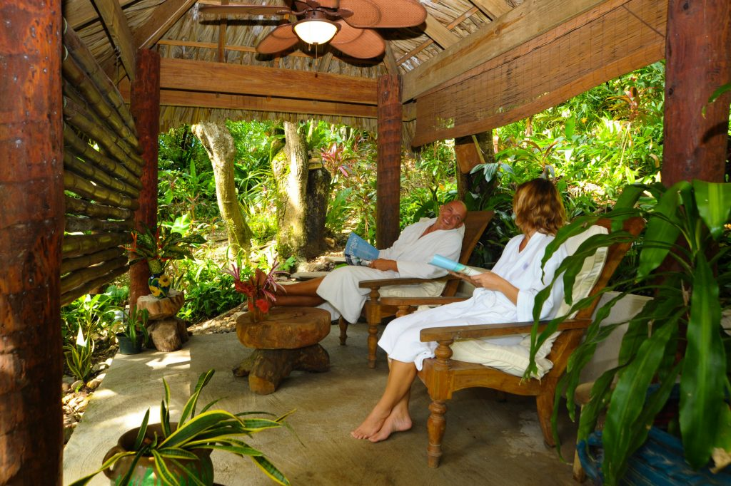spa couples get away roatan
