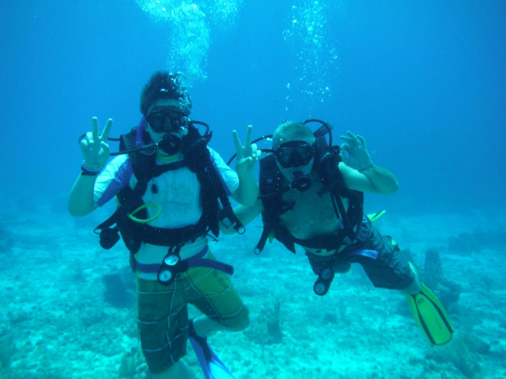 Roatan Discover Diving course